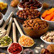 Fruits secs vendus au kilo