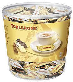 Mini toblerone chocolat au lait blanc et noir 113 pieces 904 g mini toblerone chocolat au lait blanc et noir 113 pieces 904 g pour professionnels et collectivites