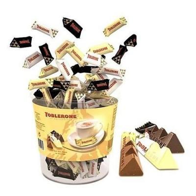Mini toblerone chocolat au lait blanc et noir assortis vendu a l unite