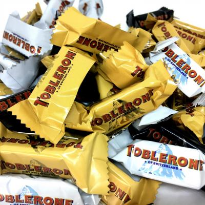Mini toblerone chocolat au lait blanc et noir le lot de 18